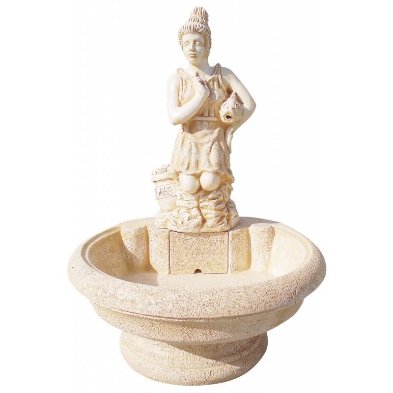 Fuente de jardín con figura de mujer en el surtidor DIANA